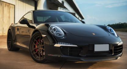 Pose plaque immatriculation Porsche Sainte-Maxime